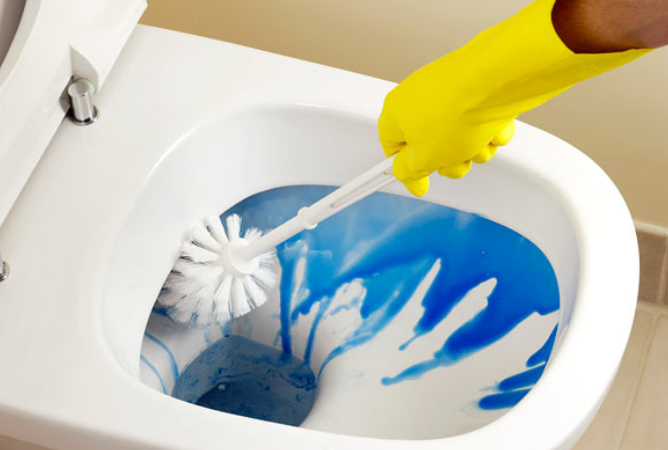 You Don't Have to Dread Cleaning Your Bathroom Ever Again With These Hacks!